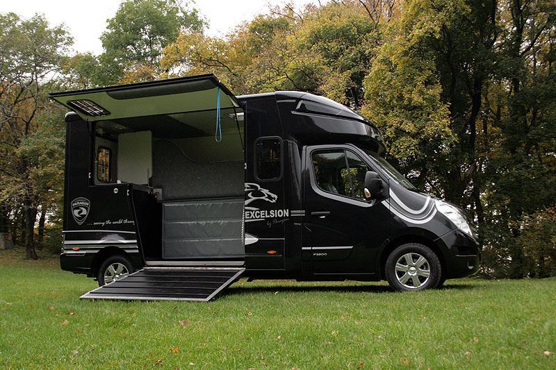 Přeprava koní - Renault Paragan